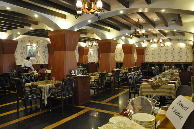 Babylon International Hotel Raipur Restaurant